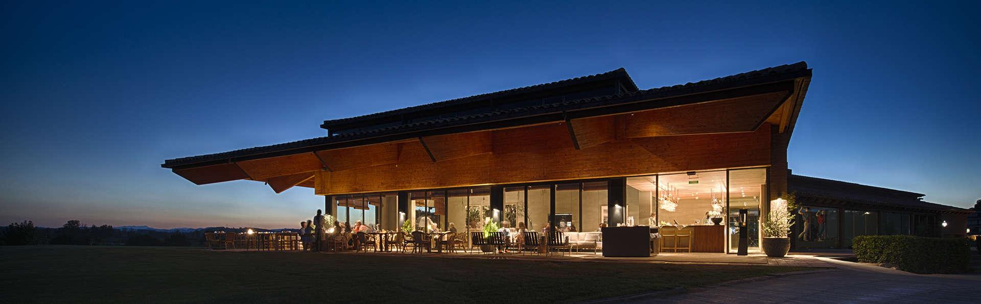 Hotel Empordà Golf - EDIT_TERRAVERDAGOLFCLUB_FRONT_NIGHT.jpg