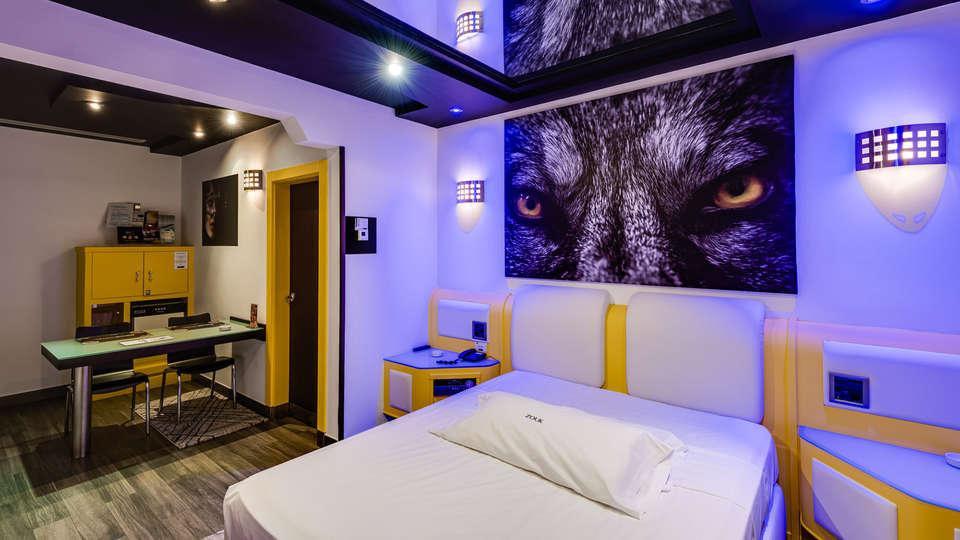 Hotel Zouk - EDIT_RUMBA_3.jpg
