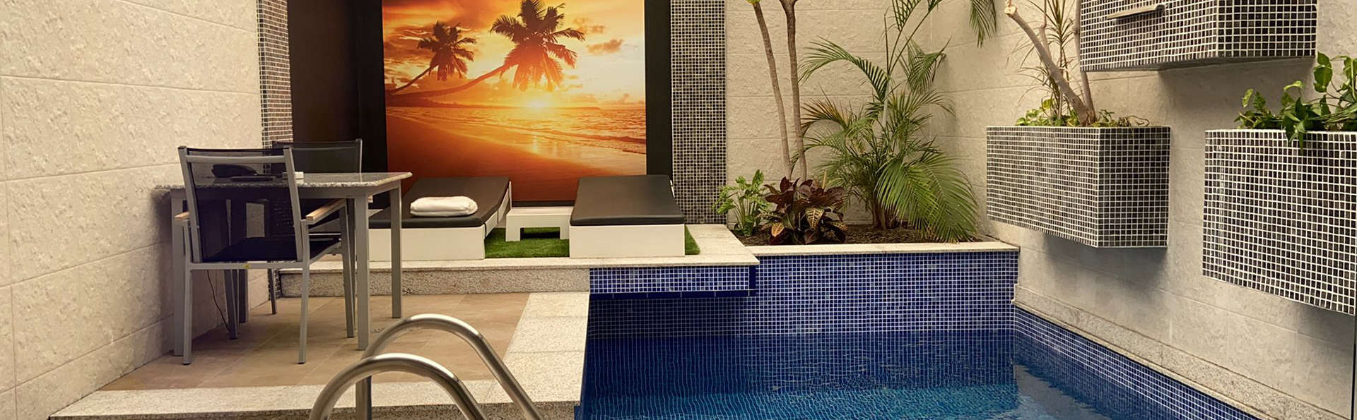 Dîner et accès privé à la piscine près de Madrid (Adults Only)