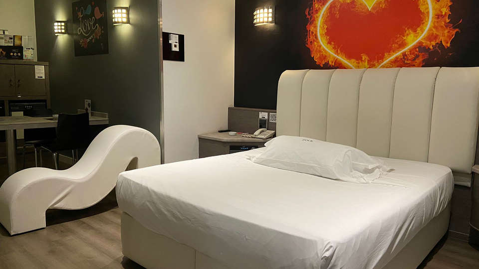 Hotel Zouk - EDIT_VALS_2.jpg
