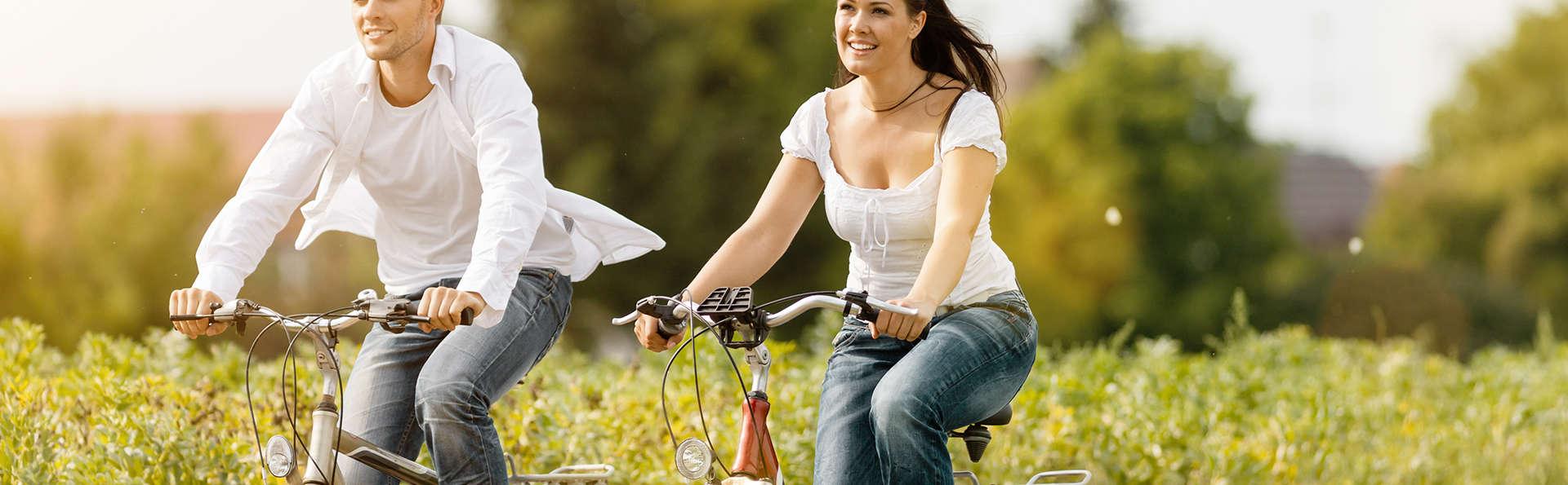 Escapade en demi-pension, location de vélos électriques avec GPS, sauna privé et cocktail