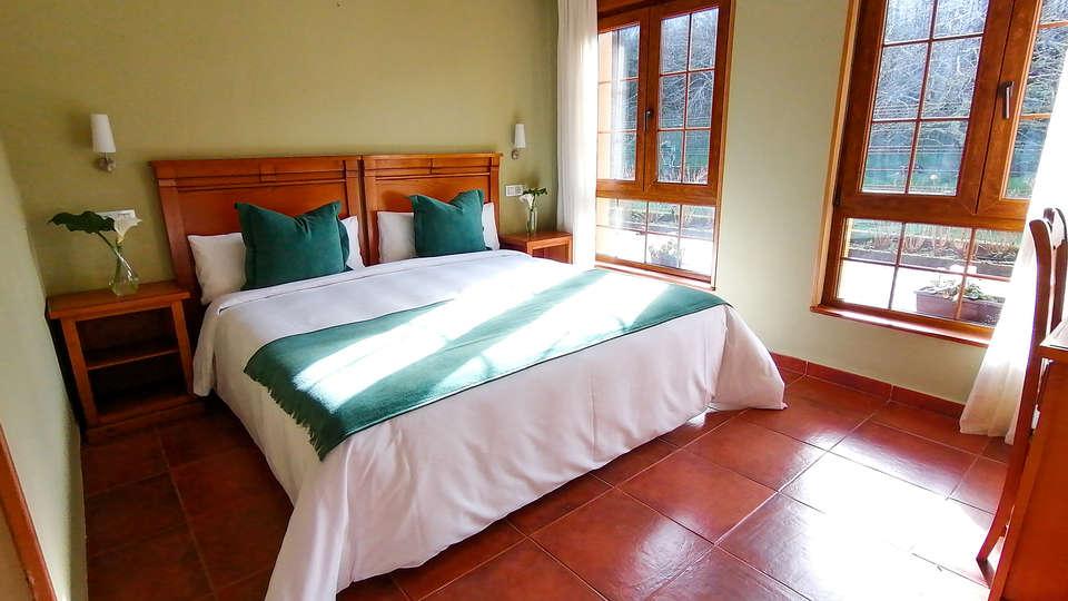 Hotel Pugide - EDIT_ROOM.jpg