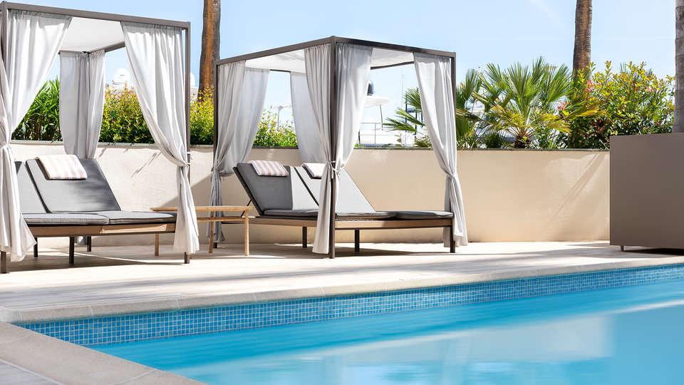 Hôtel Riviera Marriott La Porte de Monaco - EDIT_Pool_1.jpg