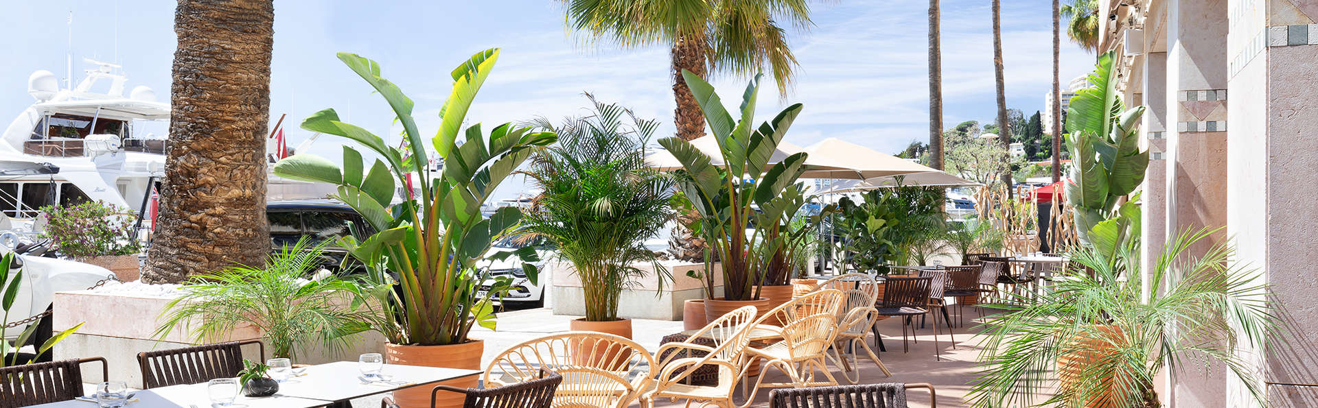 Hôtel Riviera Marriott La Porte de Monaco - EDIT_Restaurant_Exterior.jpg