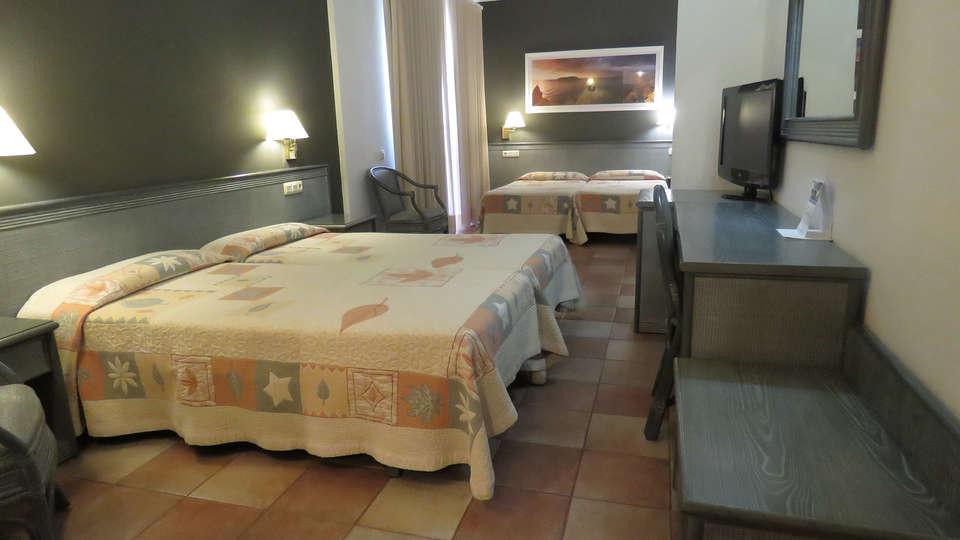Hotel Santa Anna - EDIT_ROOM_QUADRUPLE_1.jpg