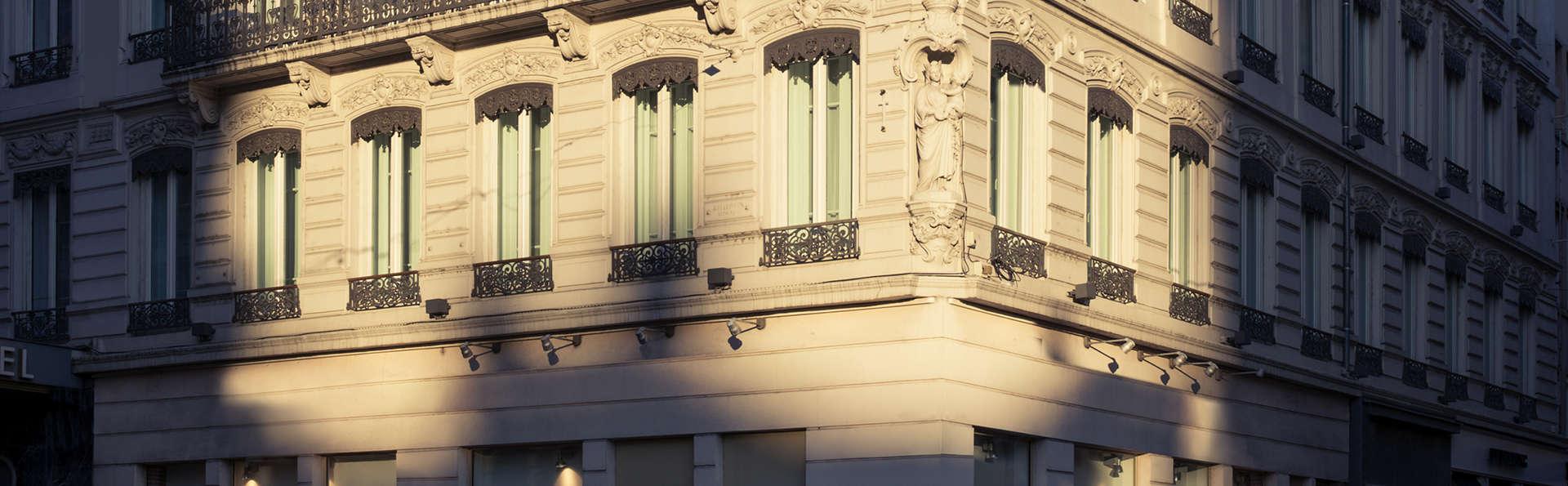 Mercure Lyon Beaux Arts - EDIT_Exterieur_hotel__1_.jpg