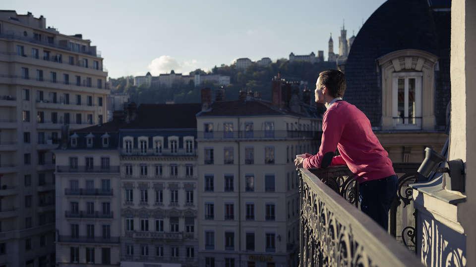 Mercure Lyon Beaux Arts - EDIT_Exterieur_hotel__2_.jpg