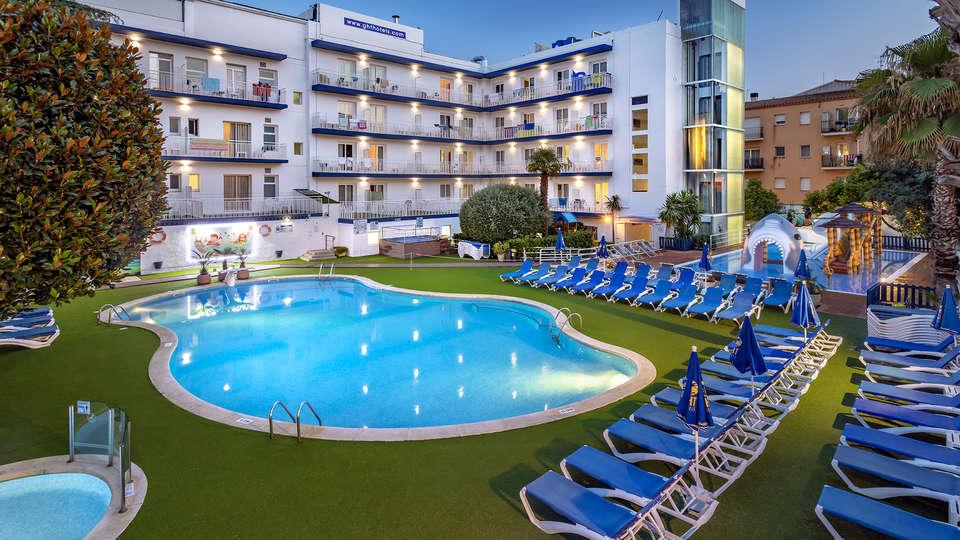 Hotel GHT Balmes - EDIT_POOL_5.jpg