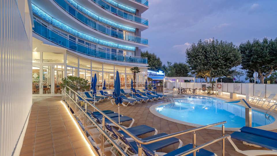 Hotel GHT Maritim - EDIT_FRONT.jpg