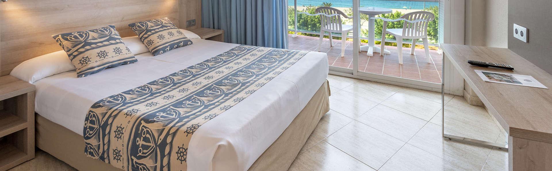 Oferta en Calella: con media pensión y mucho más en habitación con vistas al mar