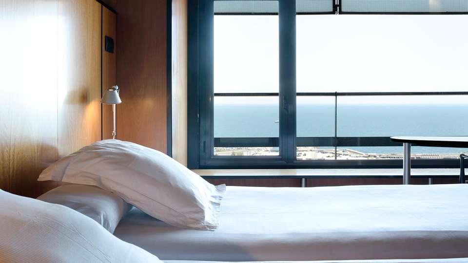 Hotel Barcelona Princess - EDIT_BEDROOM_03.jpg