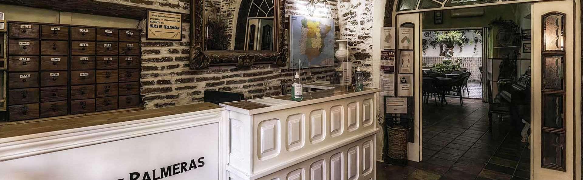 Hotel Las Palmeras by Vivere Stays - EDIT_Reception_01.jpg