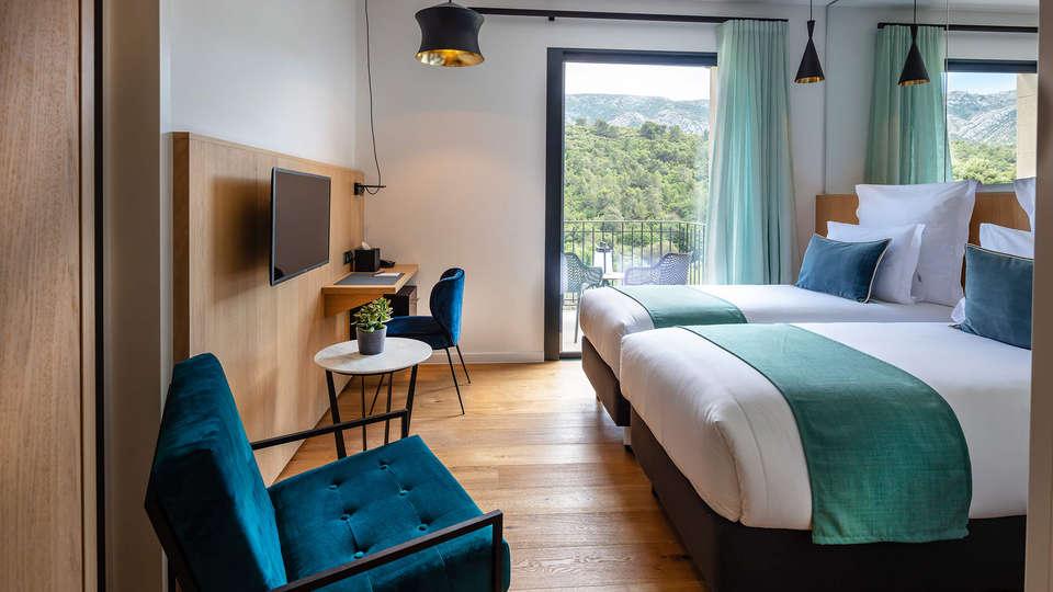 Hôtel Sainte Victoire - EDIT_Chambre_Superieure_Balcone_1.jpg