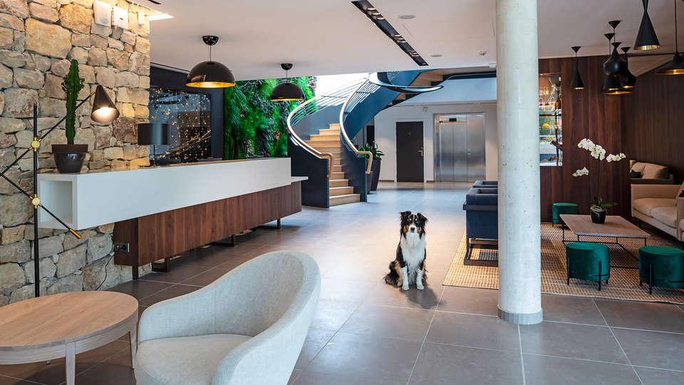 Hôtel Sainte Victoire - EDIT_Reception__1.jpg