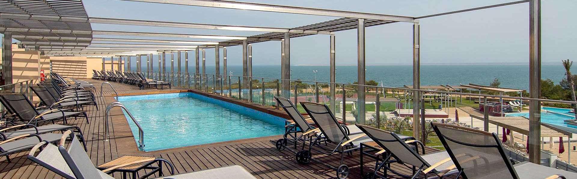 Découvrez les criques de El Perelló avec accès au spa, demi-pension et hébergement enfant gratuit