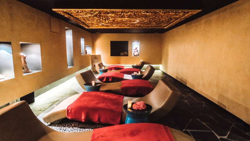 Hilton Évian les Bains - Salle_de_relaxation_orange.jpg