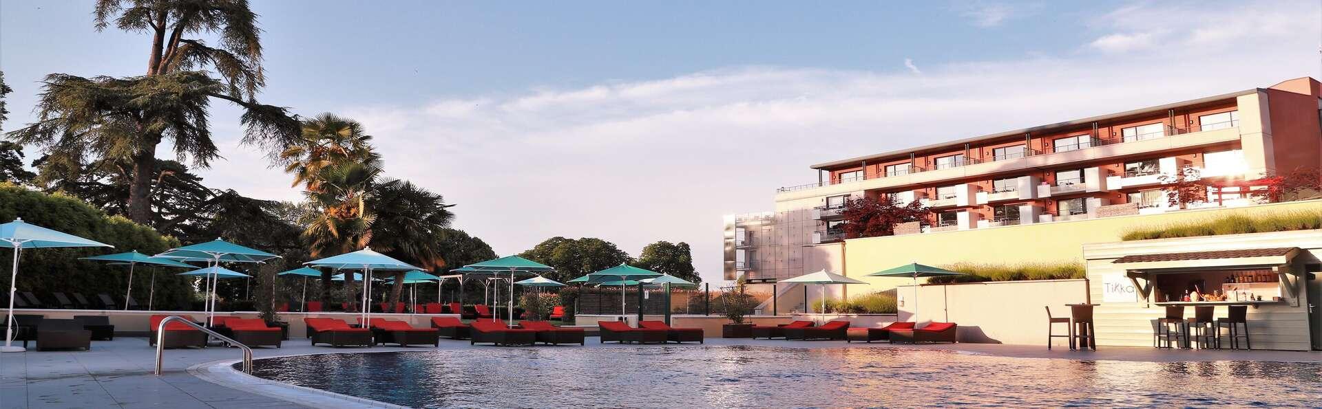 Escapade les pieds dans l'eau, en chambre deluxe avec terrasse face au Lac Léman