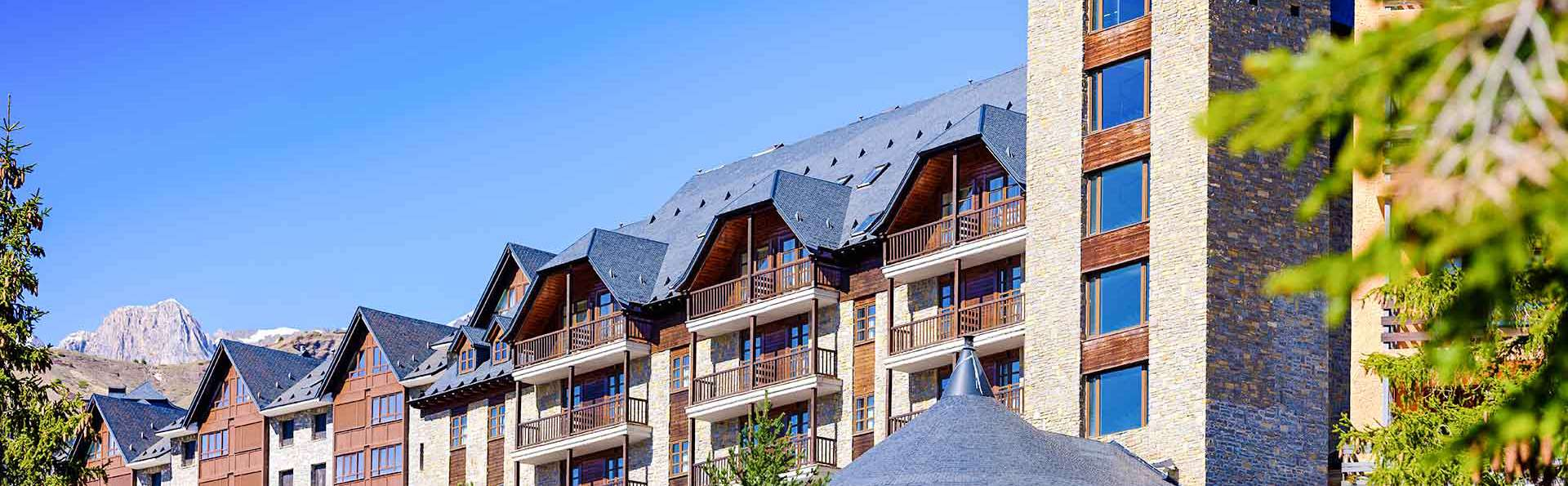Aragon Hills Hotel & Spa - EDIT_EXTERIOR_01.jpg