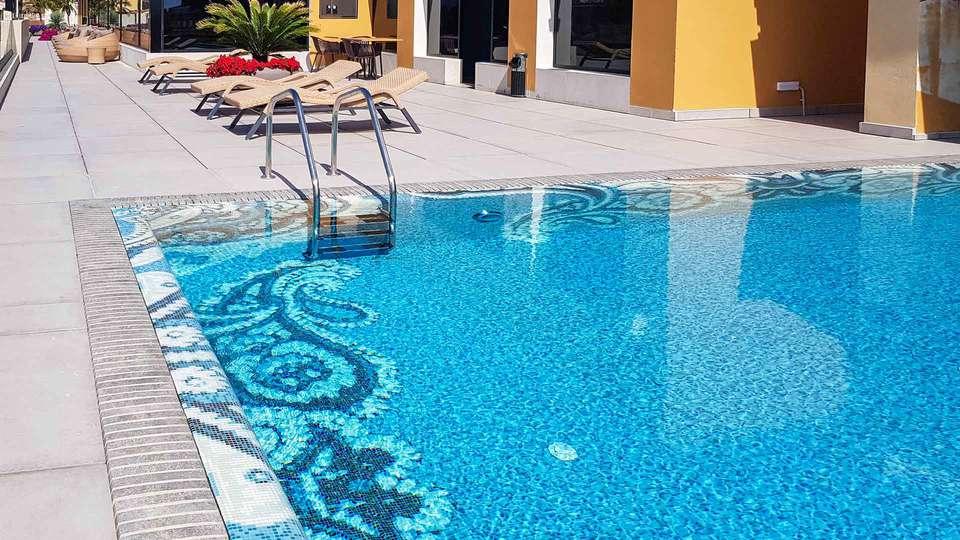 Elke Spa Hotel - EDIT_POOL_02.jpg