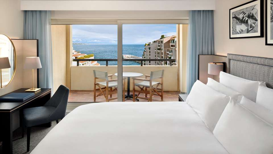 Columbus Monte-Carlo - Riviera_Deluxe.jpg