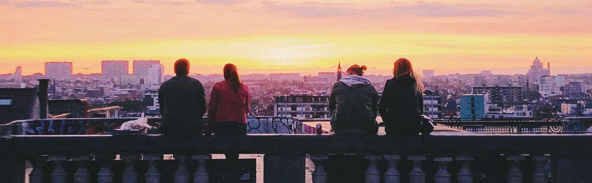 Ibis Styles Brussels Louise - Place_poelart.jpg