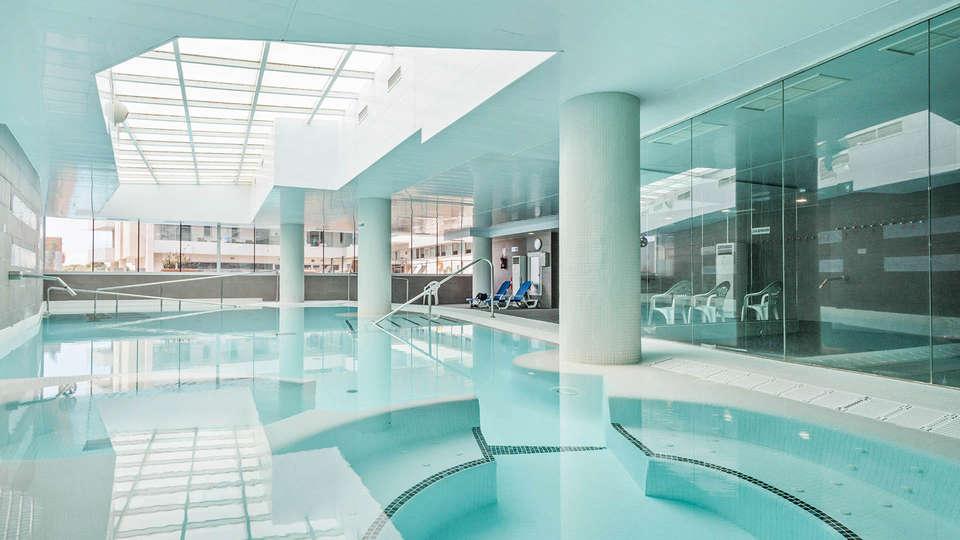 Hotel Balneario Playa de Comarruga - EDIT_Piscina_termal_activa_02.jpg
