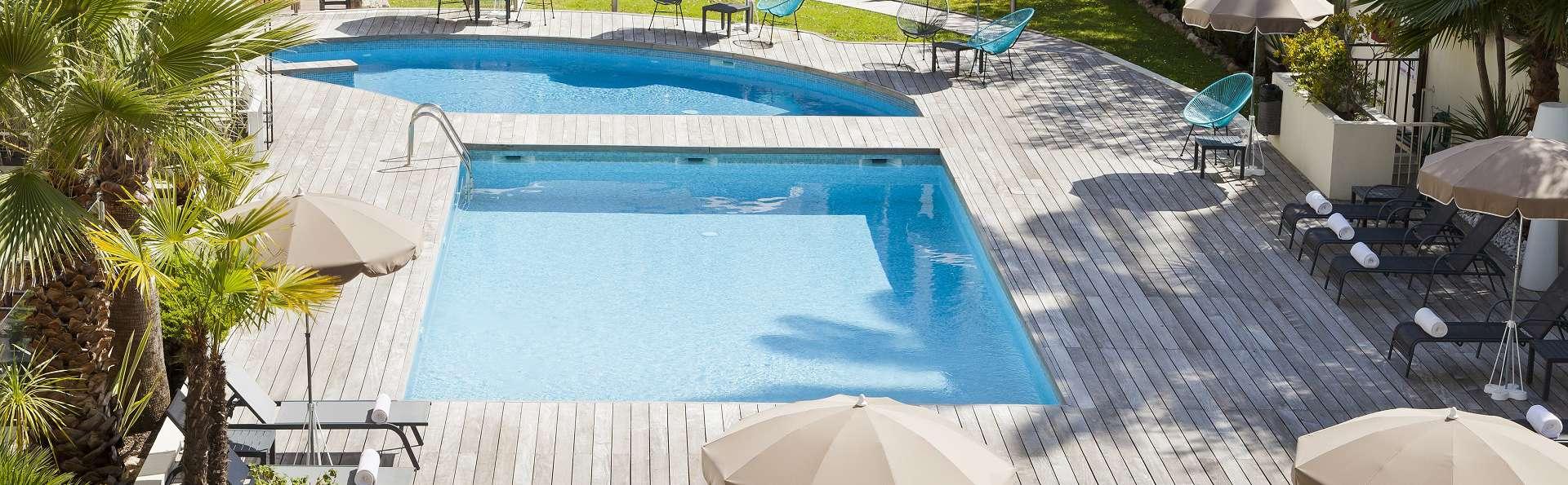 Nehô Suites Cannes Croisette - PISICINE-11.jpg
