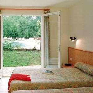 Hôtel Restaurant Les Falaises - Falaises-chambre300.jpg