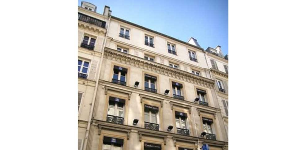 Comfort hotel paris montmartre 3 paris france for Reservation hotel a paris gratuit