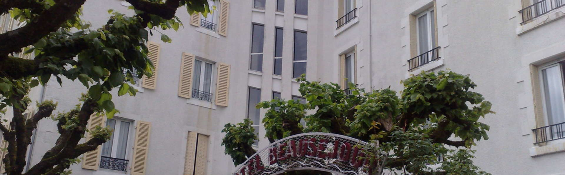 Hôtel Beauséjour - EntreeBeausejour.jpg