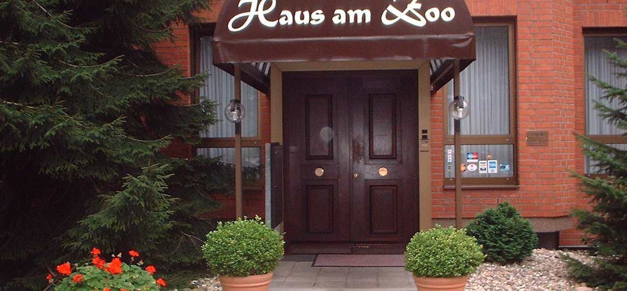 hotel haus am zoo 3 d sseldorf alemania. Black Bedroom Furniture Sets. Home Design Ideas