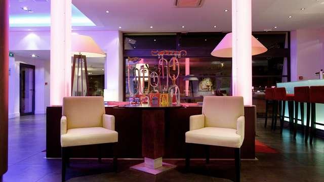 New Hotel Of Marseille - newhotelofmarseille barsalon