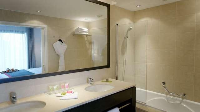 New Hotel Of Marseille - newhotelofmarseille salledebainchambrestandard