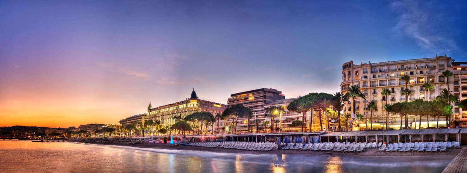 Hotel Croisette Beach Cannes MGallery By Sofitel - Vue_de_la_Croisette_2.jpg