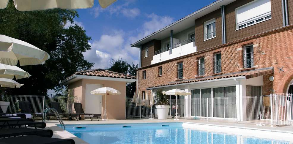 Appart city toulouse colomiers 3 colomiers france for Piscine center montpellier