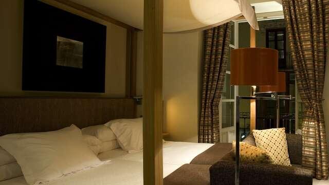 1 noche en habitación doble superior para 2 adultos
