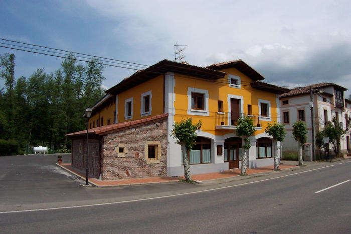 Grupo Hotelero La Pasera - Hotel_La_Pasera_fachada5.jpg