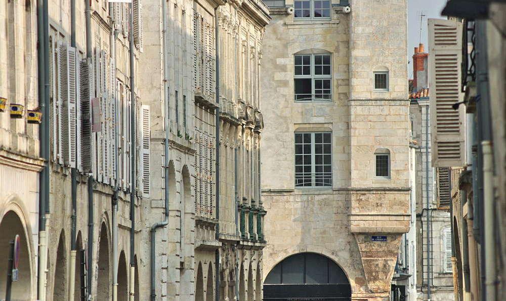Hôtel La Résidence de France - La_Residence_de_France_ville_facades.JPG