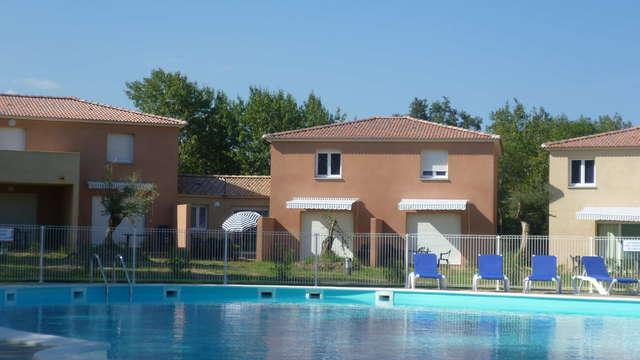 Le Domaine de Melody - Le Domaine de Melody facade piscine