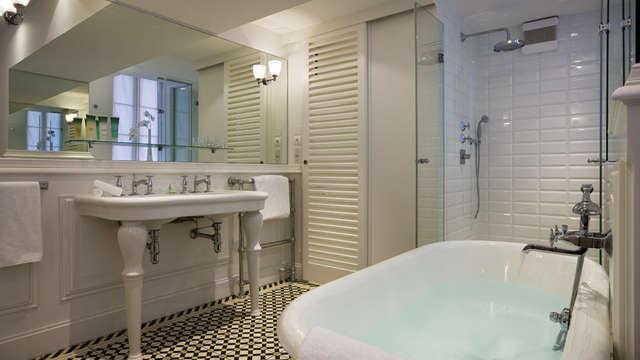 Hotel Chateau Et Spa Grand Barrail - Salle de bain - Chambre St Emilion Grand Cru