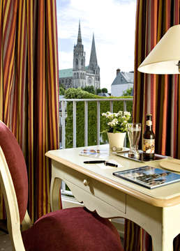 Campanile Chartres Centre - Gare - Cathedrale