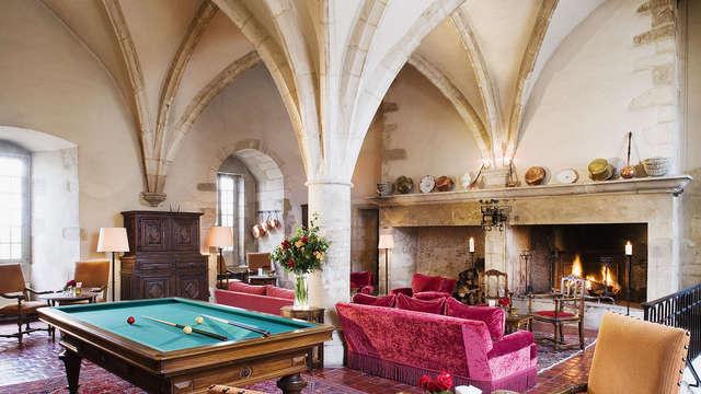 Chateau de Gilly - Salle voutee vue generale