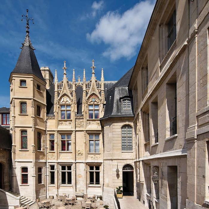Spa-Hôtel de Bourgtheroulde - Façade