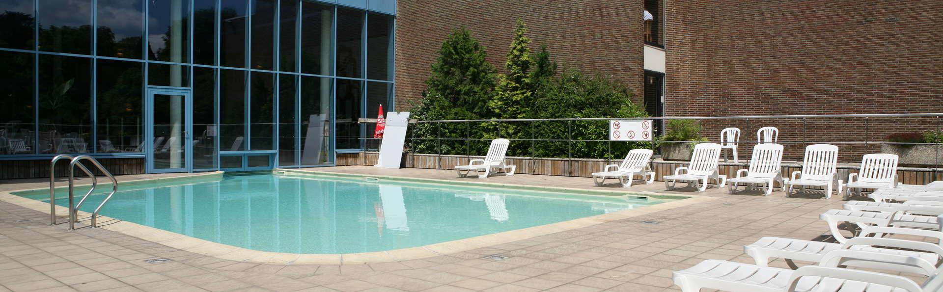 Hampton 39 s hotel namur 3 namur belgique for Accessoire piscine namur