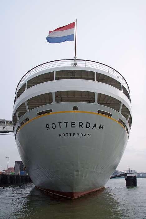 ss Rotterdam Hotel and Restaurants - Achterkant.JPG