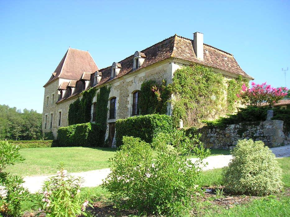 Manoir du Grand Vignoble - chai_facade_sud_2.JPG