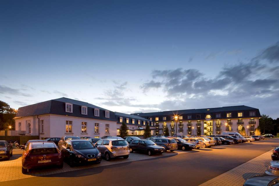 Hotel Van der Valk Brugge Oostkamp - Front