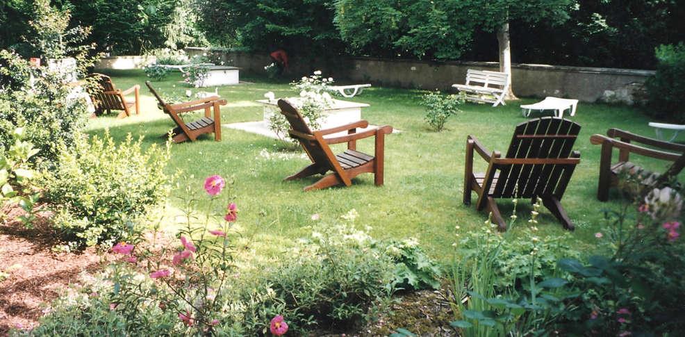 Escapadas fin de semana relax la roche posay con 2 accesos for Jardin tecina booking