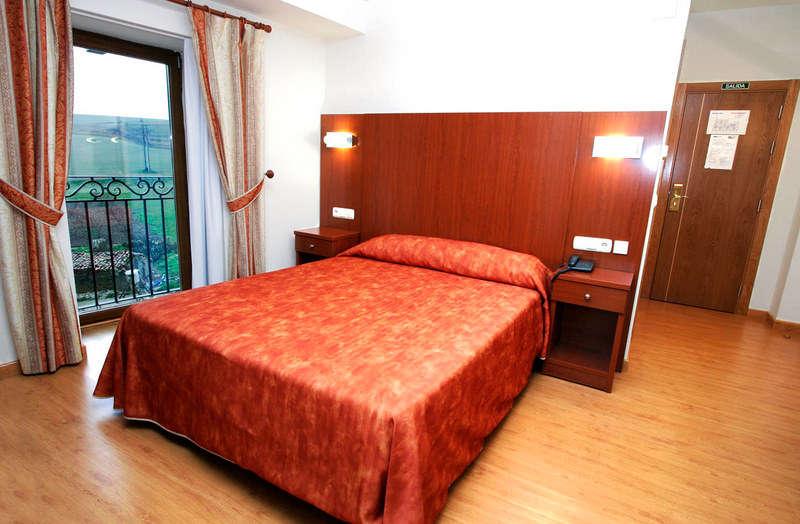 Hotel Agorreta - Habitacion_2_web_.jpg