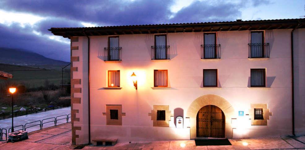 Hotel agorreta 3 salinas de pamplona espa a - Hotel salinas asturias ...